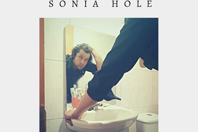 La vida adulta: Sonia Hole lanza nuevo single