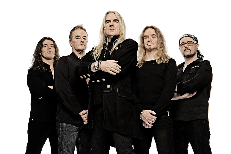 Saxon lanza cover de 'Paperback Writer' de The Beatles