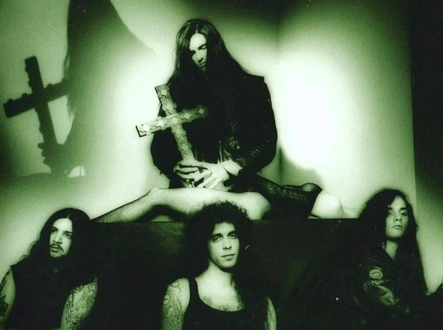 "Bloody Kisses de Type o Negative: ""Con mi sangre encontraré tu amor"""