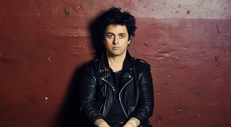 El líder de Green Day interpretó 'Gimme Some Truth'
